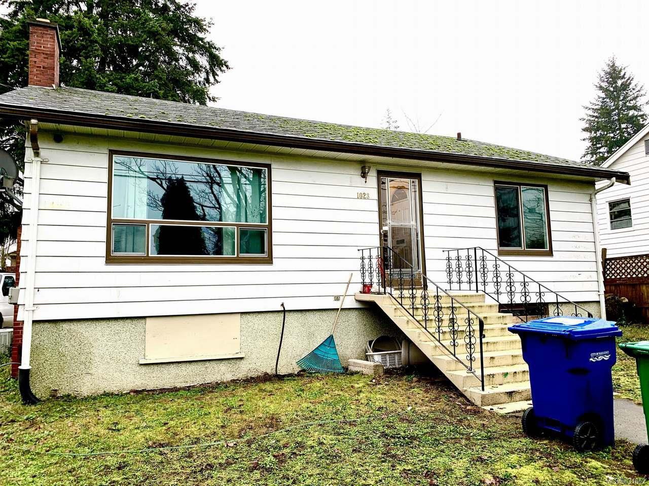Main Photo: 1023 Dufferin Cres in NANAIMO: Na Central Nanaimo House for sale (Nanaimo)  : MLS®# 831652