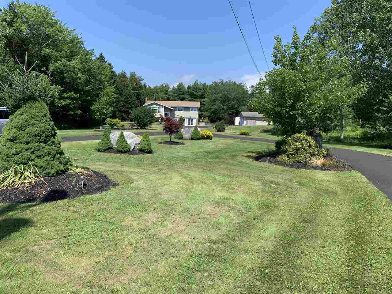 Main Photo: 281 Highway 1 in Mount Uniacke: 105-East Hants/Colchester West Residential for sale (Halifax-Dartmouth)  : MLS®# 202014586