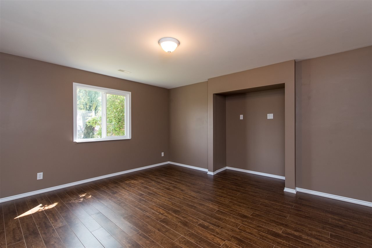 """Photo 28: Photos: 34717 5 Avenue in Abbotsford: Poplar House for sale in """"Huntingdon Village"""" : MLS®# R2483870"""