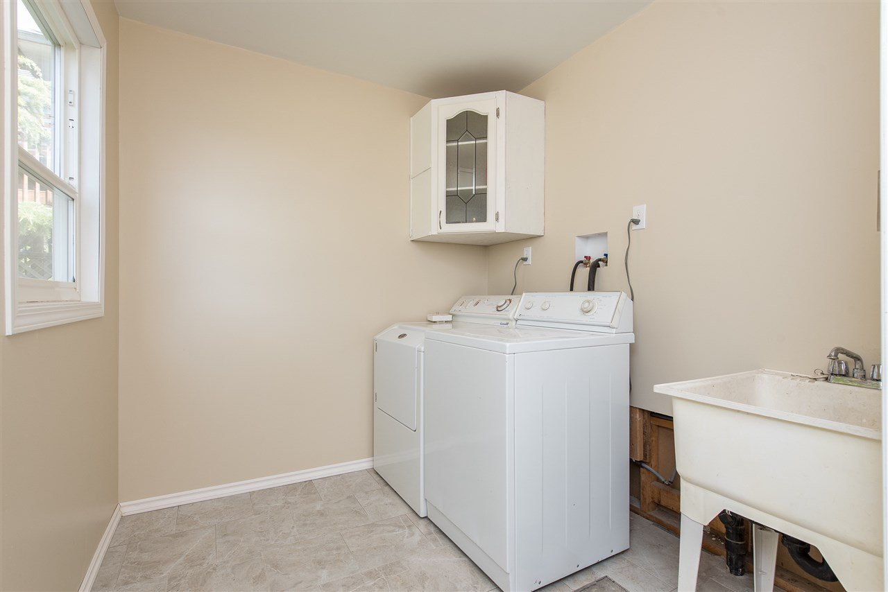 """Photo 30: Photos: 34717 5 Avenue in Abbotsford: Poplar House for sale in """"Huntingdon Village"""" : MLS®# R2483870"""