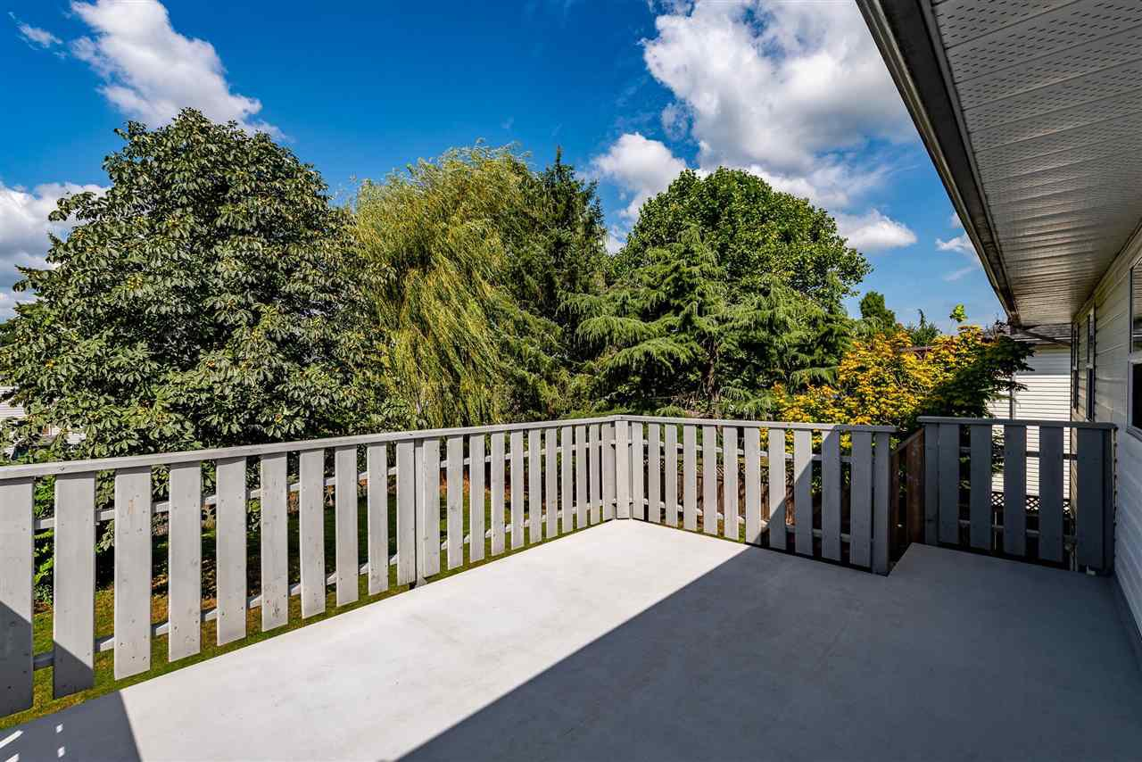 """Photo 31: Photos: 34717 5 Avenue in Abbotsford: Poplar House for sale in """"Huntingdon Village"""" : MLS®# R2483870"""