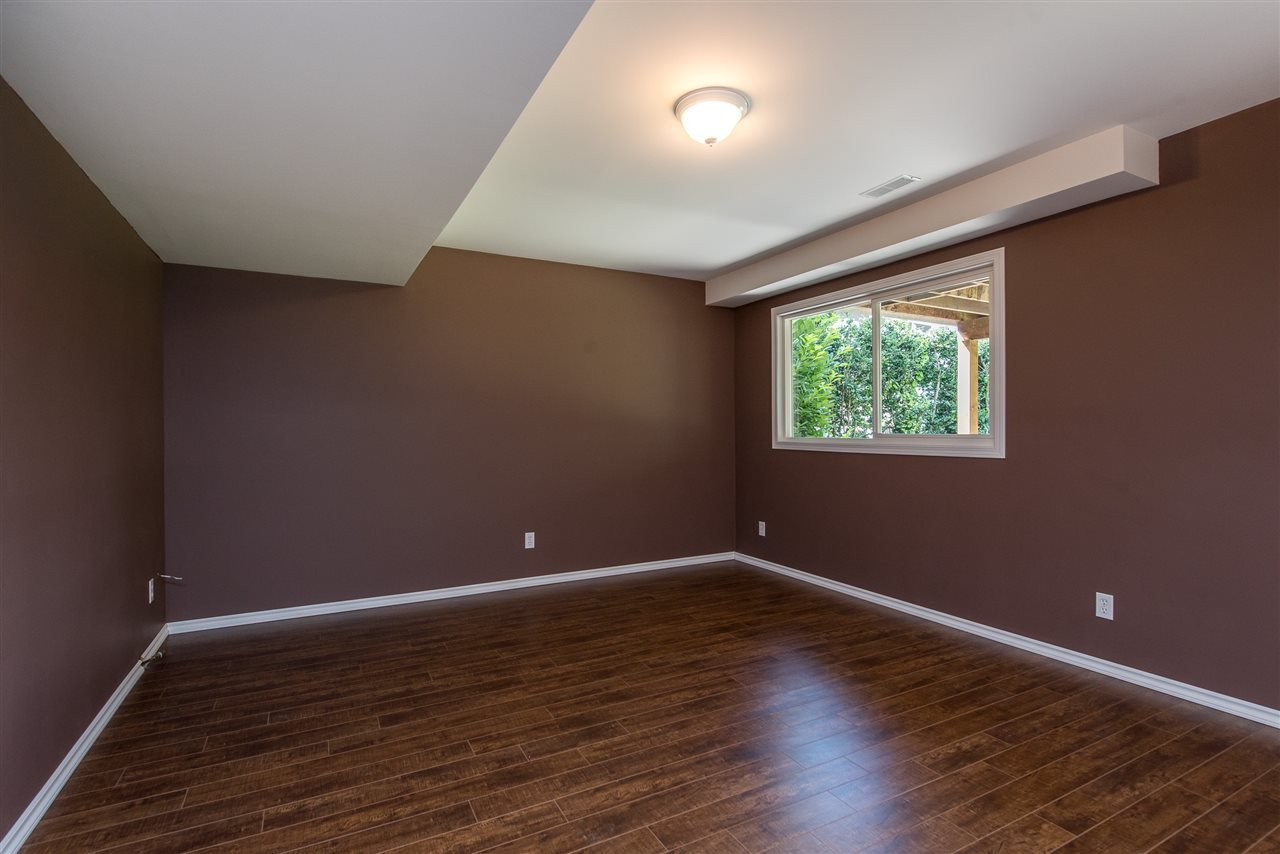 """Photo 24: Photos: 34717 5 Avenue in Abbotsford: Poplar House for sale in """"Huntingdon Village"""" : MLS®# R2483870"""