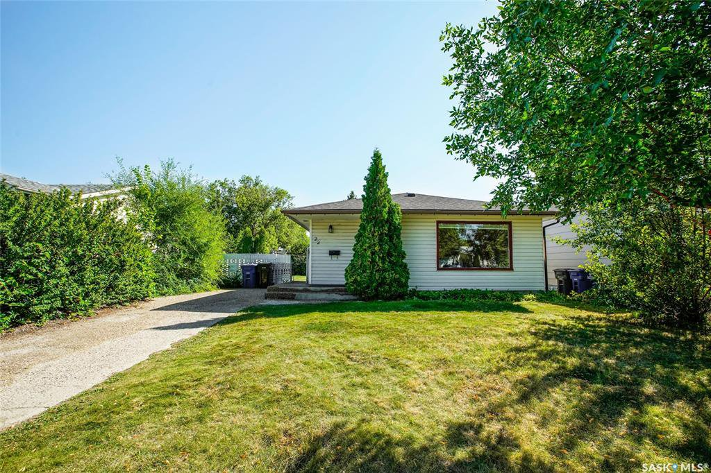 Main Photo: 22 Webb Crescent in Saskatoon: Brevoort Park Residential for sale : MLS®# SK823600