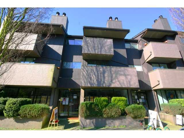 "Main Photo: 105 3255 HEATHER Street in Vancouver: Cambie Condo for sale in ""ALTA VISTA COURT"" (Vancouver West)  : MLS®# V935832"