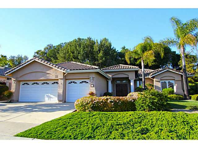 Main Photo: SOUTHWEST ESCONDIDO House for sale : 3 bedrooms : 474 Camino Bailen in Escondido