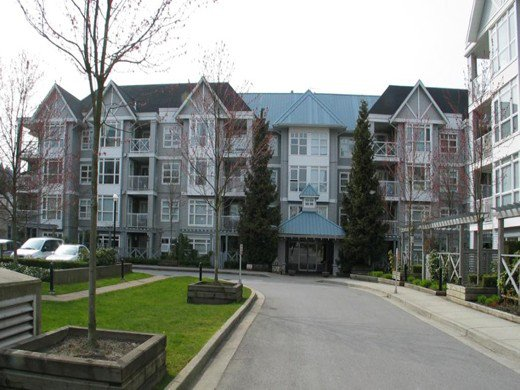 Main Photo: # 101 3136 ST JOHNS ST in Port Moody: Port Moody Centre Condo for sale : MLS®# V980884