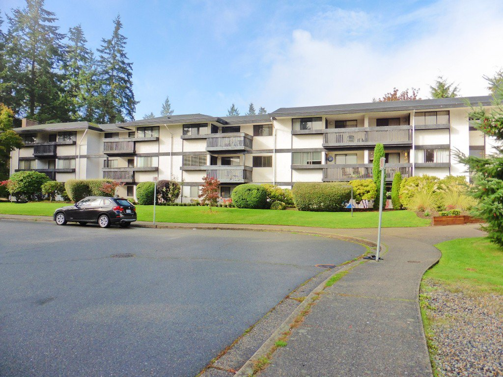 Main Photo: 305 1561 Vidal Street in White Rock: Condo for sale