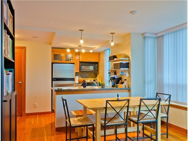 Main Photo: 110 7 RIALTO COURT in New Westminster: Quay Condo for sale : MLS®# R2110711