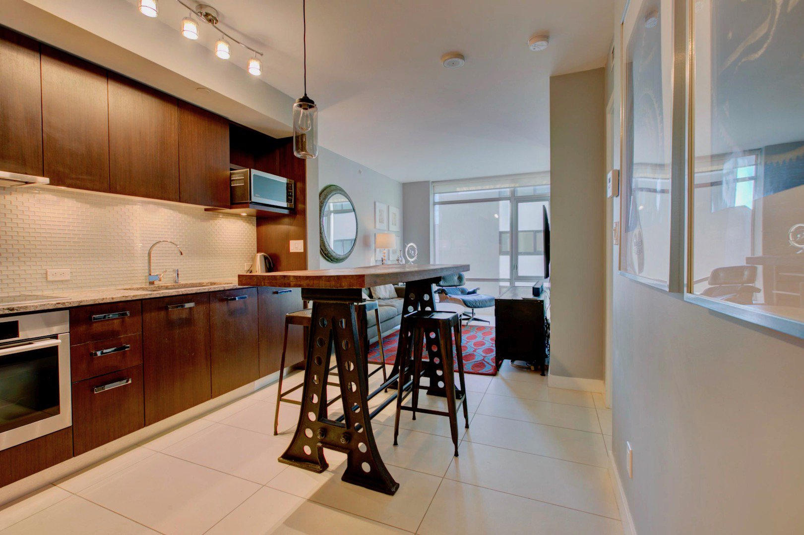 Main Photo: 1028 Barclay St, in Vancouver: Condo for lease