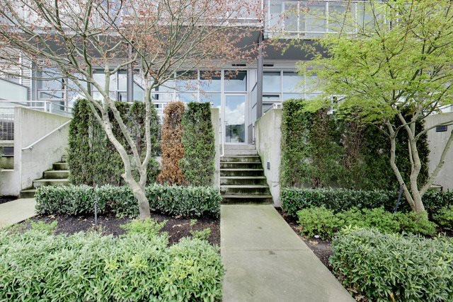 Main Photo: 278 E 2ND AVENUE in : Mount Pleasant VE Townhouse for sale : MLS®# R2256985