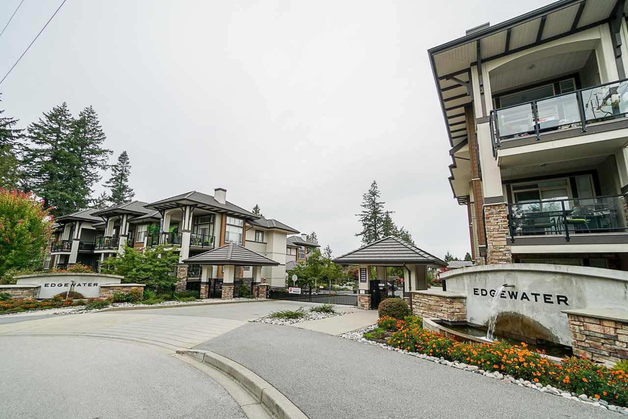 "Main Photo: 308 15145 36 Avenue in Surrey: Morgan Creek Condo for sale in ""Edgewater"" (South Surrey White Rock)  : MLS®# R2410650"