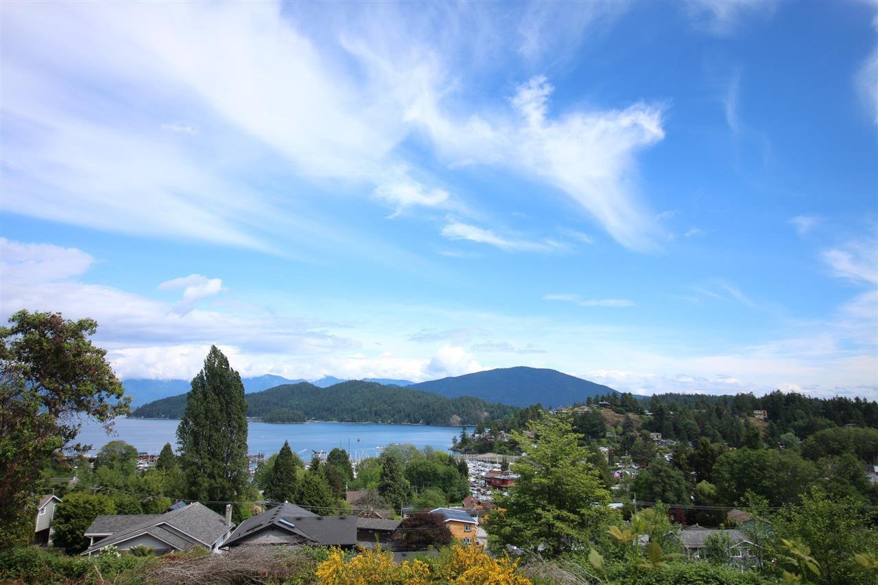 "Main Photo: Lot 5 STEWART Road in Gibsons: Gibsons & Area Land for sale in ""GIBSONS LANDING"" (Sunshine Coast)  : MLS®# R2432154"