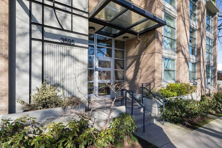"Main Photo: 302 3595 W 18TH Avenue in Vancouver: Dunbar Condo for sale in ""Duke on Dunbar"" (Vancouver West)  : MLS®# R2519070"