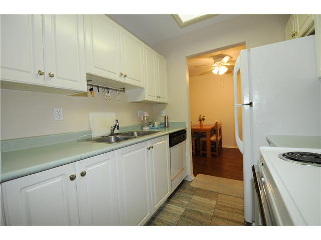 "Photo 6: Photos: 309 515 WHITING Way in Coquitlam: Coquitlam West Condo for sale in ""Brookside Manor"" : MLS®# V986528"
