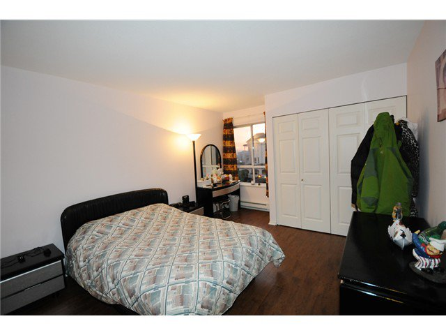 "Photo 5: Photos: 309 515 WHITING Way in Coquitlam: Coquitlam West Condo for sale in ""Brookside Manor"" : MLS®# V986528"