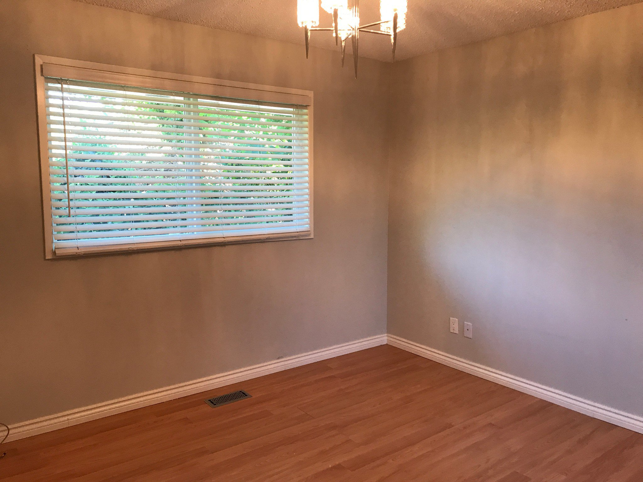 Photo 11: Photos: 34694 Dewdney Trunk Rd. in Mission: House for rent