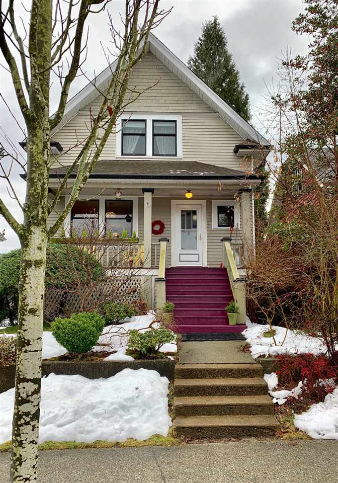 "Main Photo: 228 SIXTH Avenue in New Westminster: Queens Park House for sale in ""Queens Park"" : MLS®# R2429899"