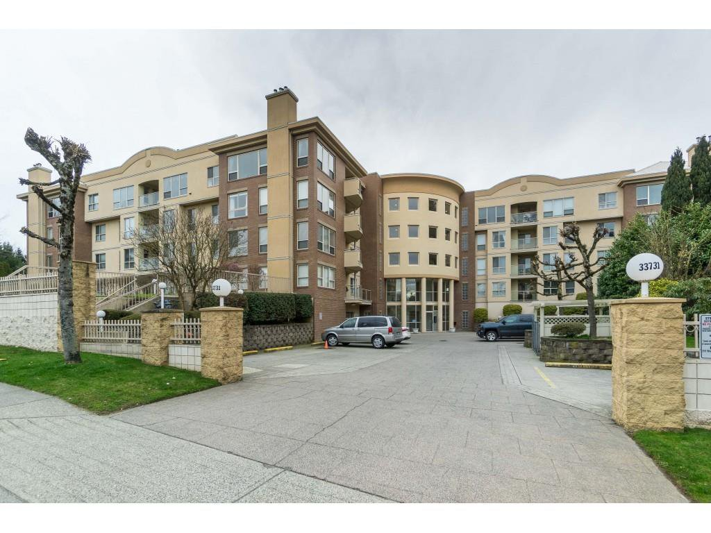 "Main Photo: 308 33731 MARSHALL Road in Abbotsford: Central Abbotsford Condo for sale in ""STEPHANIE PLACE"" : MLS®# R2441909"