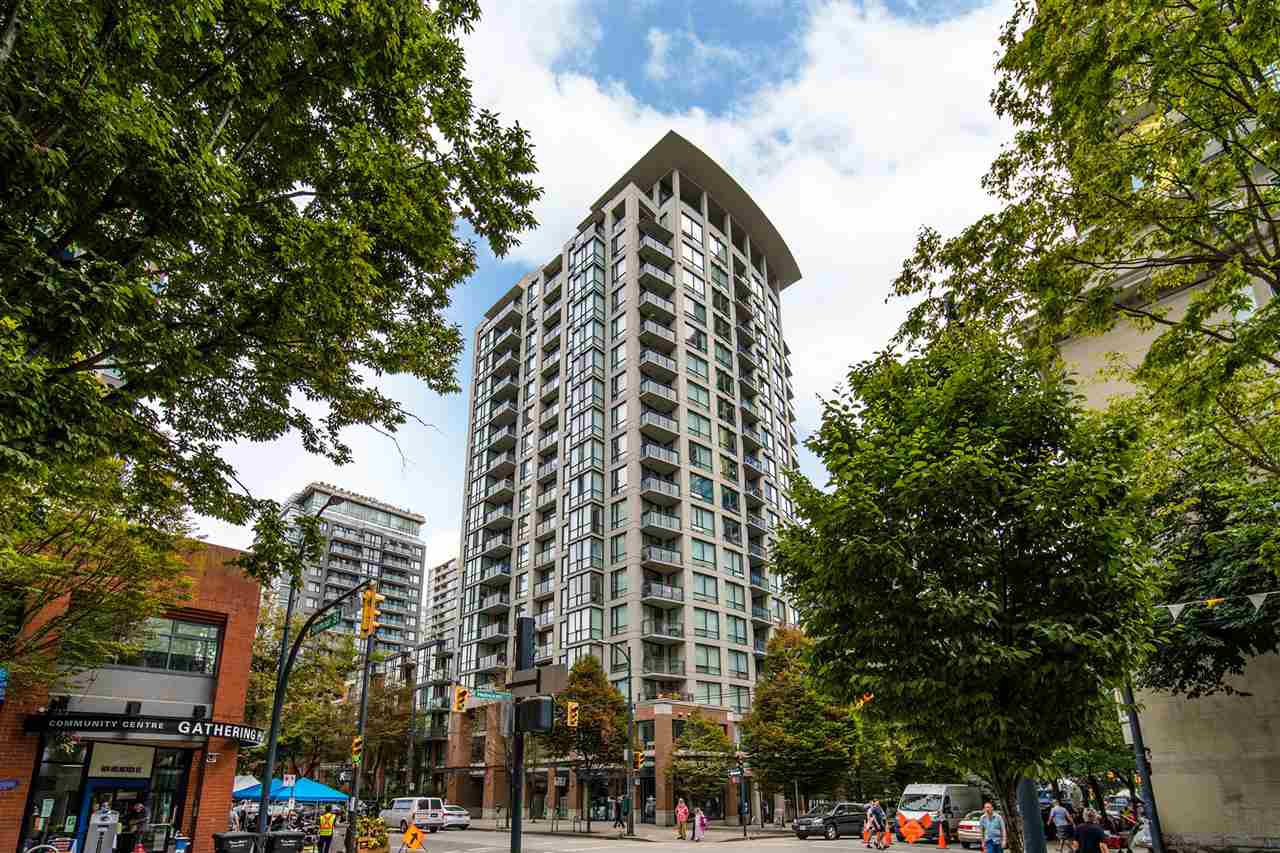 "Main Photo: 213 1082 SEYMOUR Street in Vancouver: Downtown VW Condo for sale in ""FREESIA"" (Vancouver West)  : MLS®# R2481851"