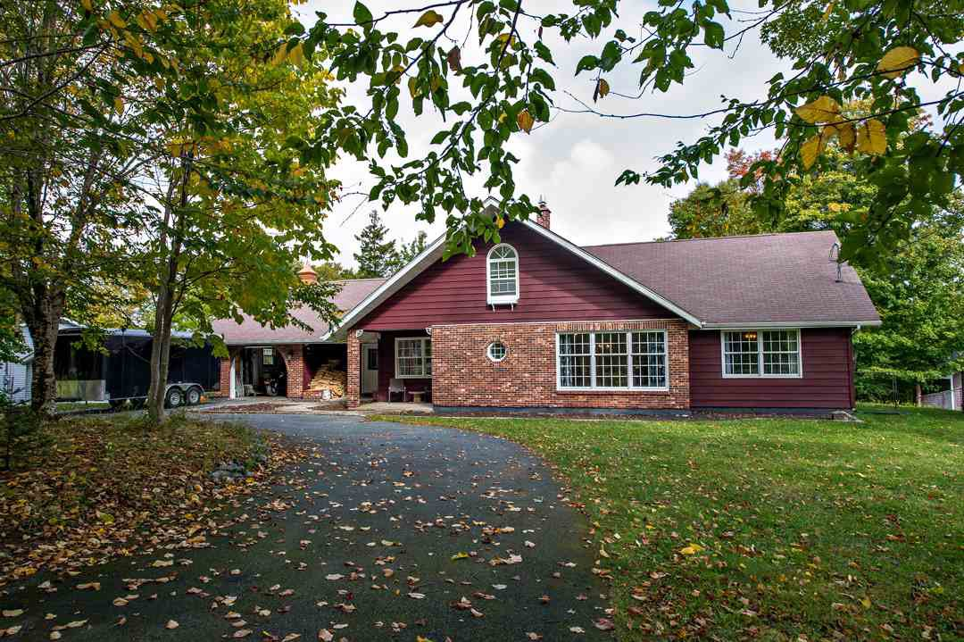 Main Photo: 114 Thomas Street in Lake Echo: 31-Lawrencetown, Lake Echo, Porters Lake Residential for sale (Halifax-Dartmouth)  : MLS®# 202020224