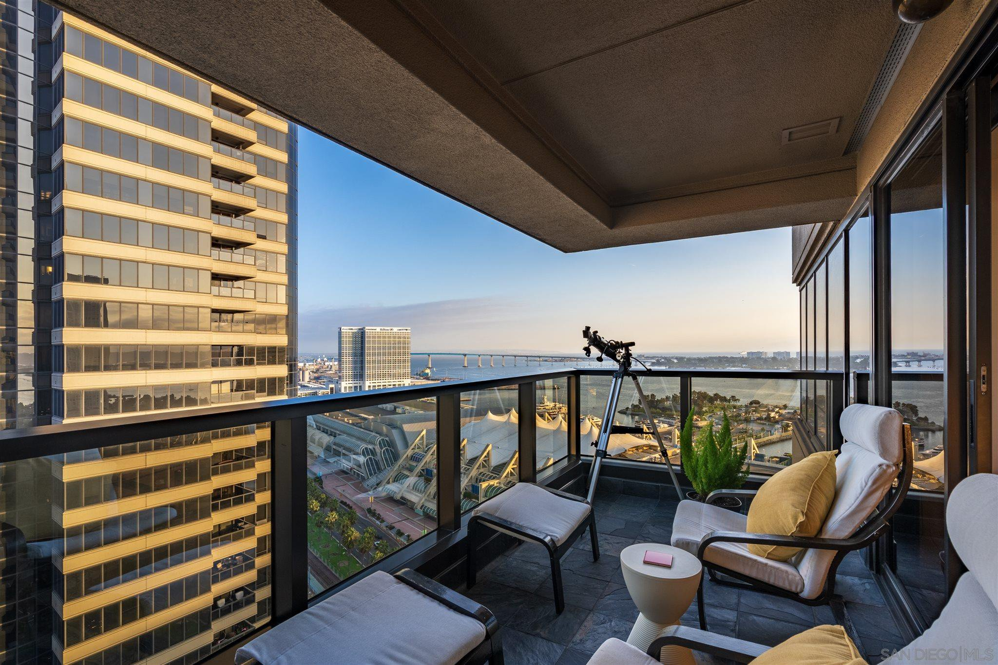 Main Photo: DOWNTOWN Condo for sale : 1 bedrooms : 100 Harbor Dr #2506 in San Diego