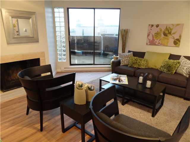 """Main Photo: # 2 730 W 7TH AV in Vancouver: Fairview VW Condo for sale in """"Heather Court"""" (Vancouver West)  : MLS®# V925207"""