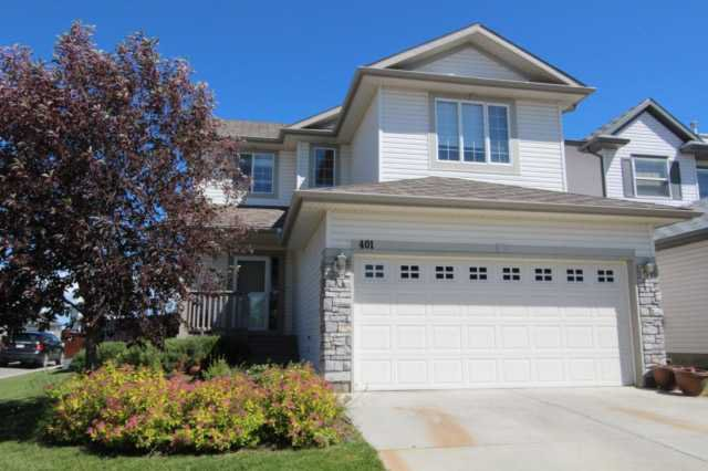 Two Storey Family Home with Bonus room - 4 bedrooms