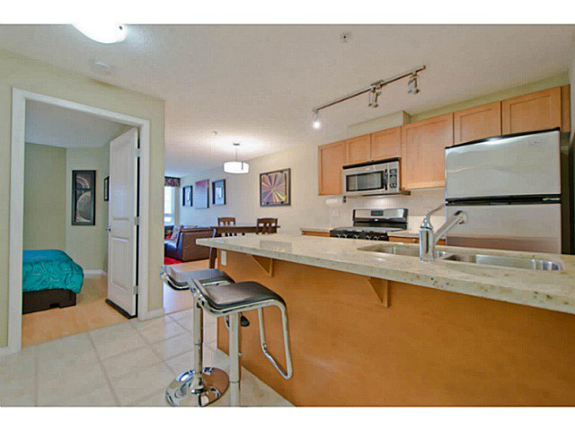 Photo 6: Photos: # 209 2636 E HASTINGS ST in Vancouver: Renfrew VE Condo for sale (Vancouver East)  : MLS®# V1039275