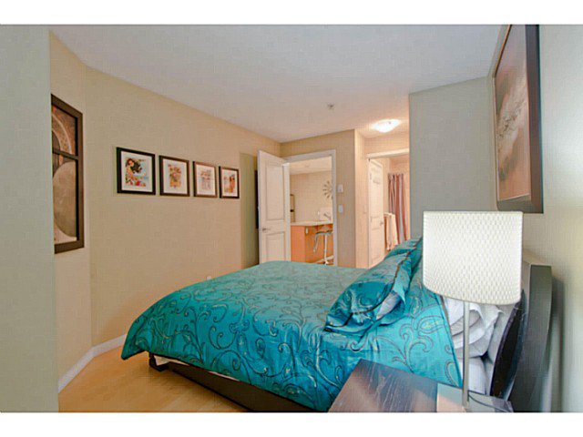 Photo 9: Photos: # 209 2636 E HASTINGS ST in Vancouver: Renfrew VE Condo for sale (Vancouver East)  : MLS®# V1039275