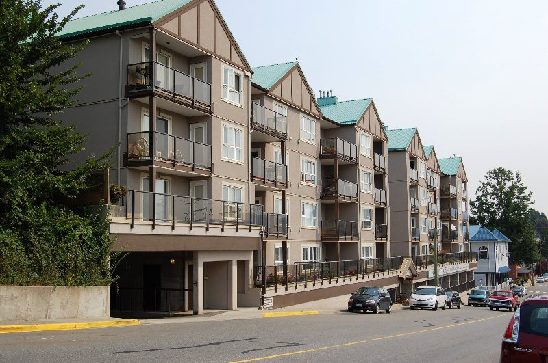 Main Photo: # 405 33165 2ND AV in Mission: Mission BC Condo for sale : MLS®# F2919194