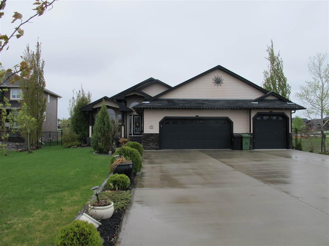 Main Photo: 5 GREENFIELD Bay: Fort Saskatchewan House for sale : MLS®# E4185427