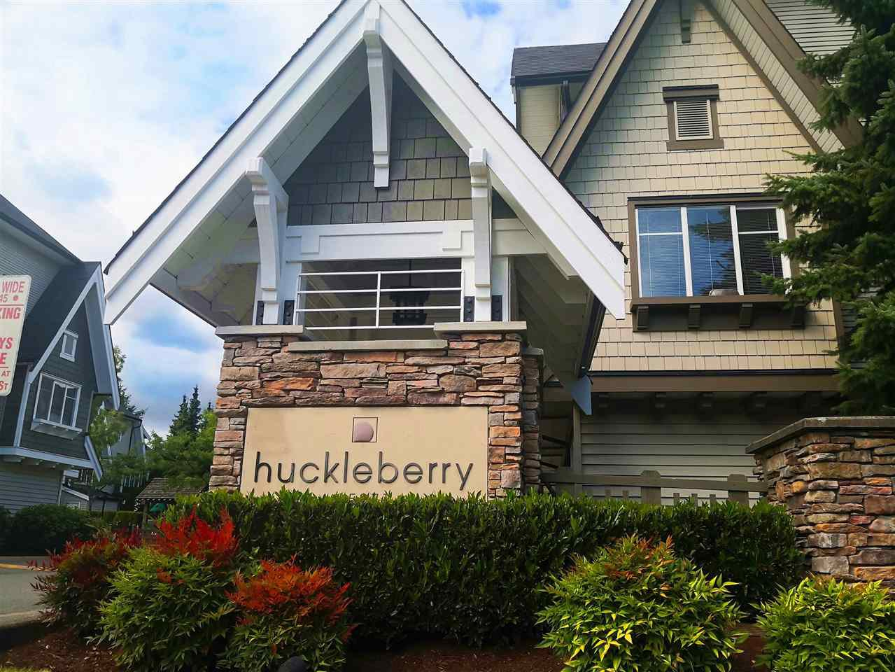 "Main Photo: 48 15871 85 Avenue in Surrey: Fleetwood Tynehead Townhouse for sale in ""HUCKLEBERRY"" : MLS®# R2494639"