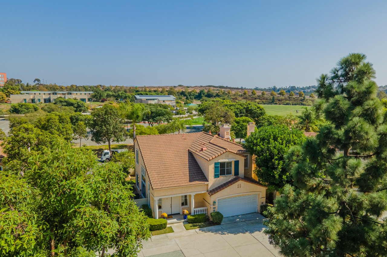 Main Photo: UNIVERSITY CITY House for sale : 4 bedrooms : 5381 Renaissance Ave in San Diego