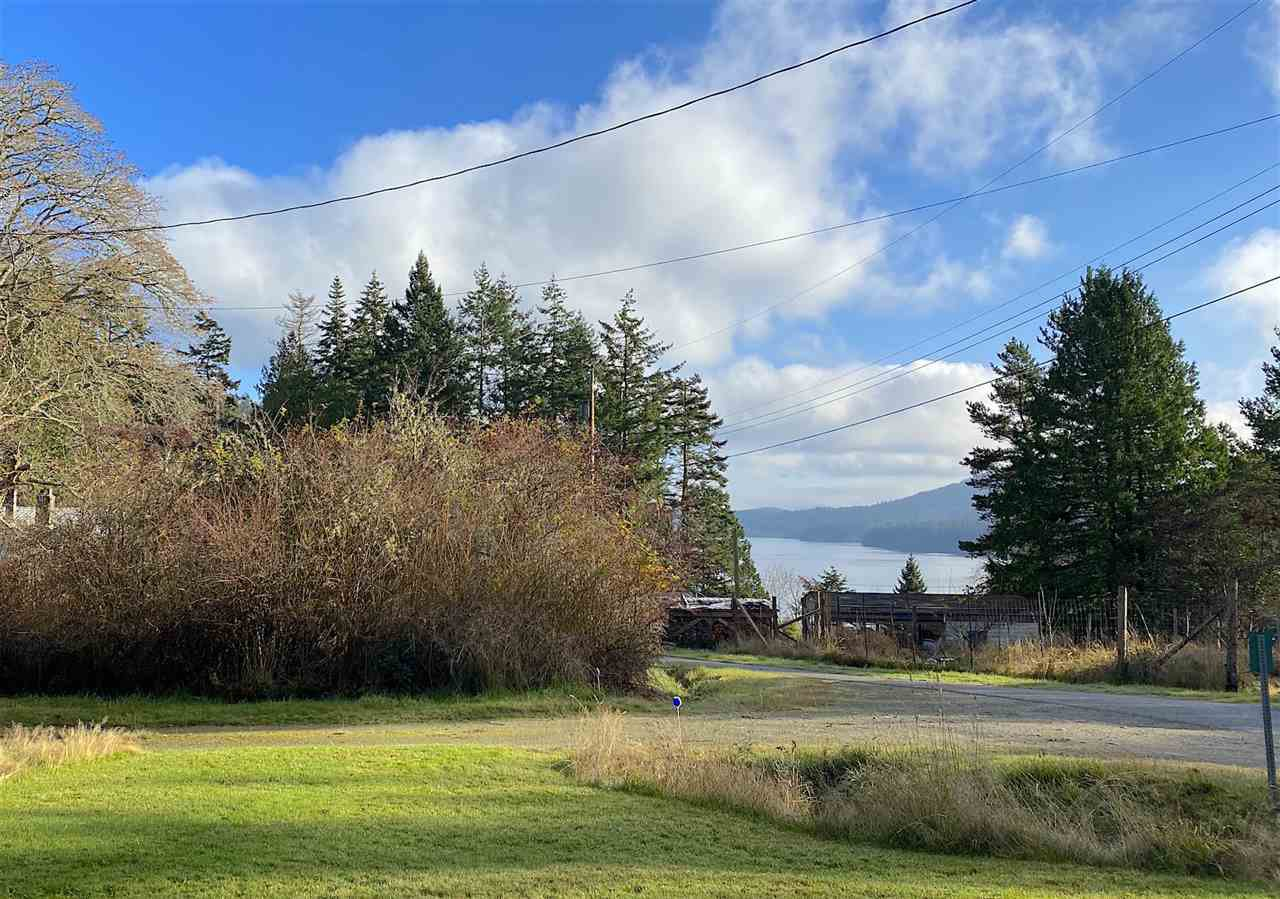 Main Photo: 60 SATER Way: Galiano Island House for sale (Islands-Van. & Gulf)  : MLS®# R2521765