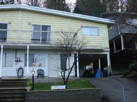 Main Photo: Half Duplex with 3 Bedrooms!