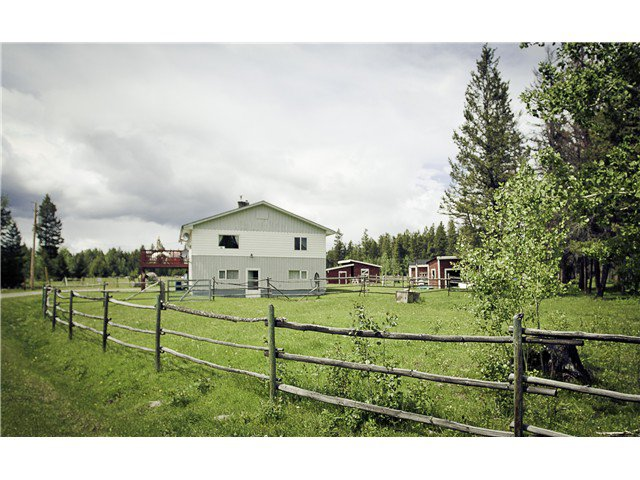 Main Photo: 2790 DOG CREEK Road in Williams Lake: Williams Lake - Rural South House for sale (Williams Lake (Zone 27))  : MLS®# N228468