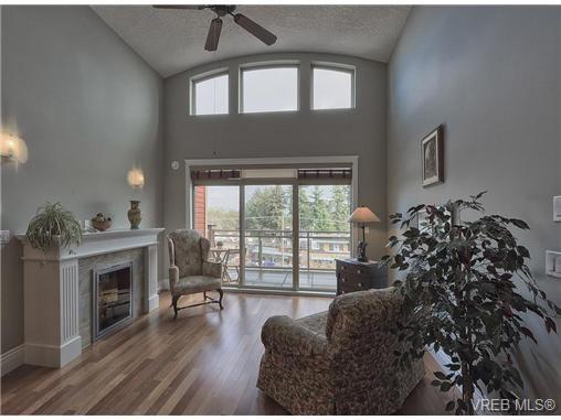 Main Photo: 404 755 Goldstream Ave in VICTORIA: La Langford Proper Condo Apartment for sale (Langford)  : MLS®# 646864