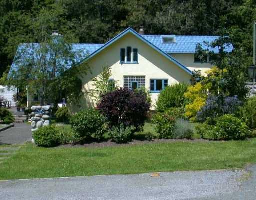 Main Photo: 5709 CRANLEY DR in West Vancouver: Eagle Harbour House for sale : MLS®# V596231