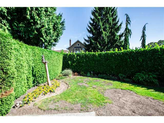 """Photo 19: Photos: 327 ARBUTUS Street in New Westminster: Queens Park House for sale in """"QUEENS PARK"""" : MLS®# V1081789"""