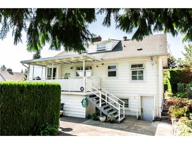 """Photo 18: Photos: 327 ARBUTUS Street in New Westminster: Queens Park House for sale in """"QUEENS PARK"""" : MLS®# V1081789"""