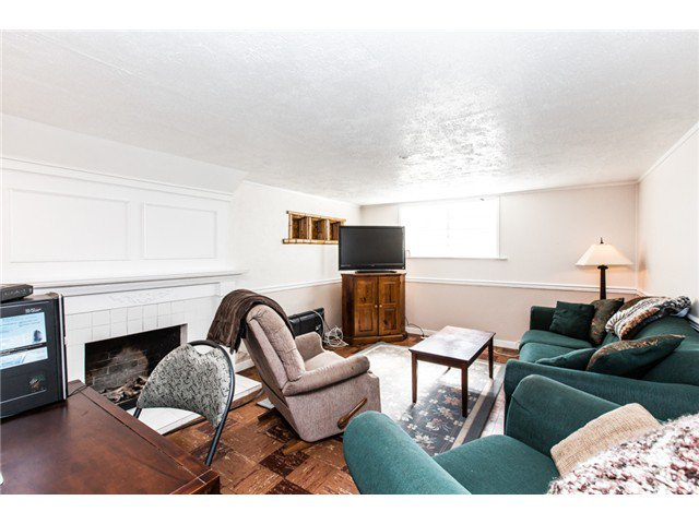 """Photo 14: Photos: 327 ARBUTUS Street in New Westminster: Queens Park House for sale in """"QUEENS PARK"""" : MLS®# V1081789"""