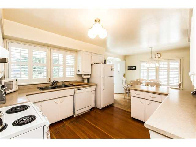 """Photo 7: Photos: 327 ARBUTUS Street in New Westminster: Queens Park House for sale in """"QUEENS PARK"""" : MLS®# V1081789"""
