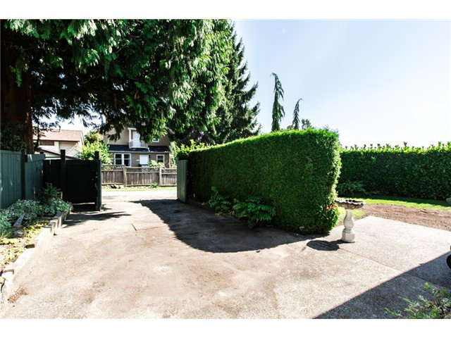 """Photo 20: Photos: 327 ARBUTUS Street in New Westminster: Queens Park House for sale in """"QUEENS PARK"""" : MLS®# V1081789"""