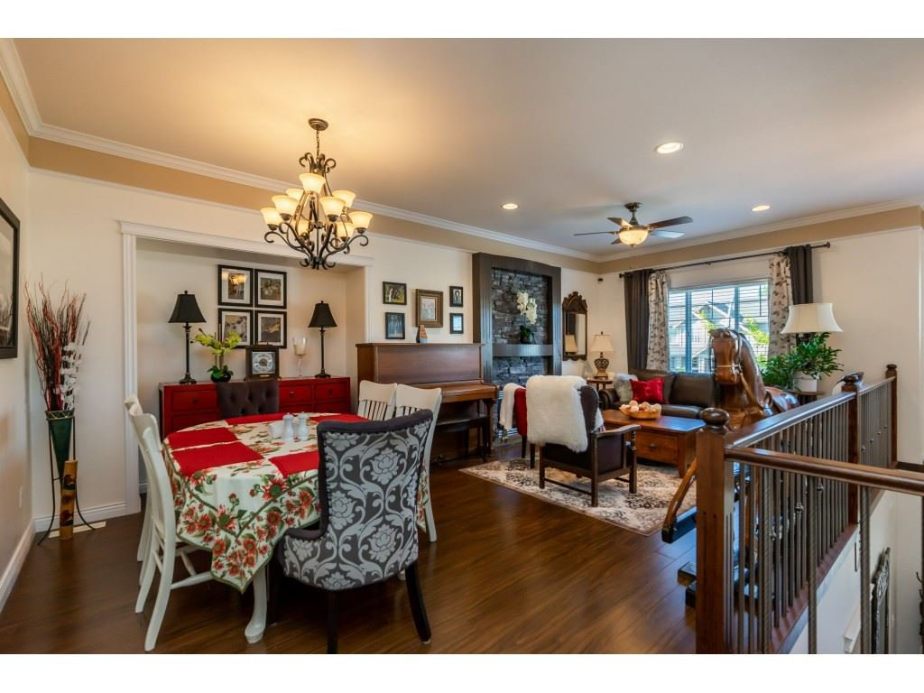 Photo 3: Photos: 26836 26A Avenue in Langley: Aldergrove Langley House for sale : MLS®# R2402775