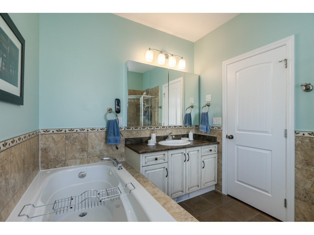 Photo 9: Photos: 26836 26A Avenue in Langley: Aldergrove Langley House for sale : MLS®# R2402775