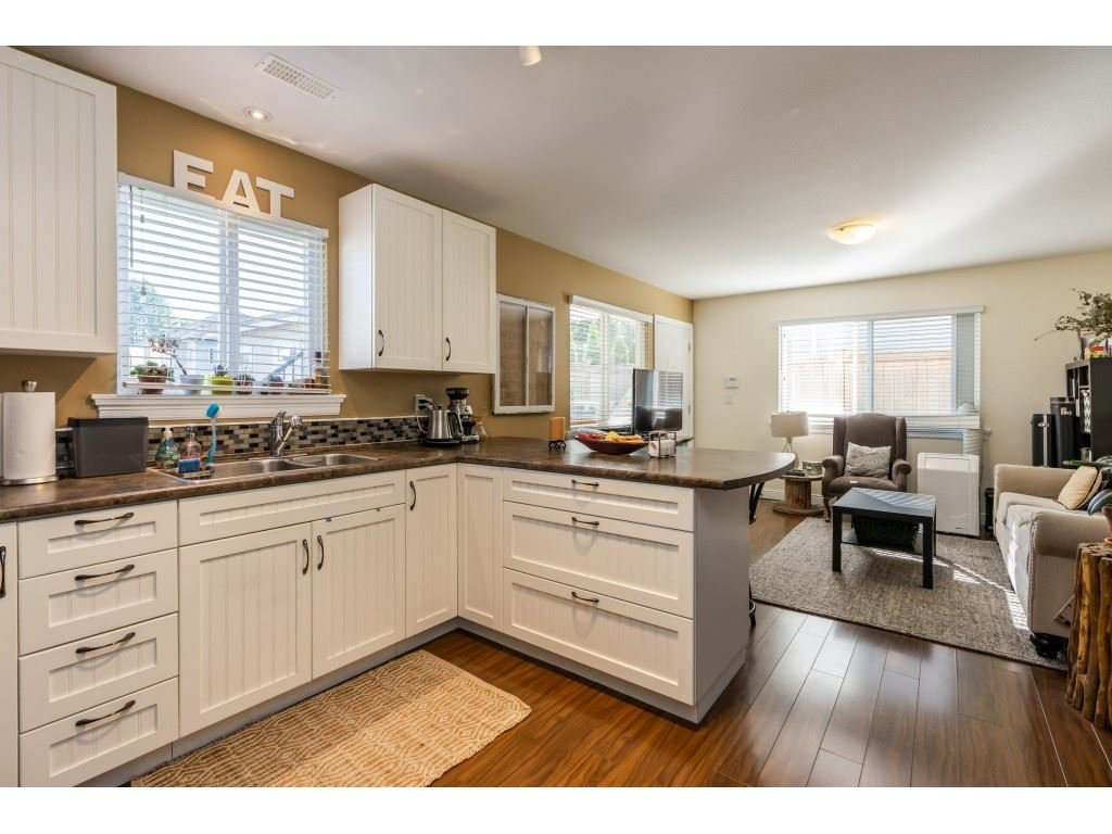 Photo 13: Photos: 26836 26A Avenue in Langley: Aldergrove Langley House for sale : MLS®# R2402775