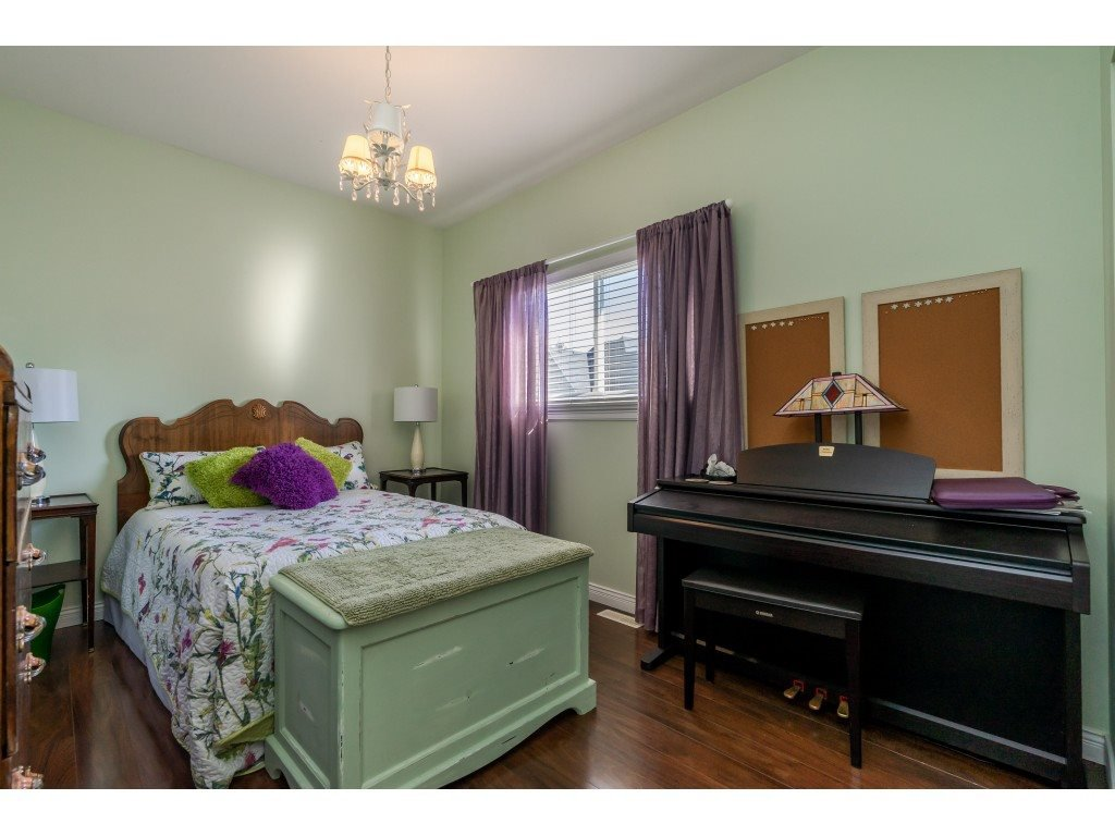 Photo 10: Photos: 26836 26A Avenue in Langley: Aldergrove Langley House for sale : MLS®# R2402775