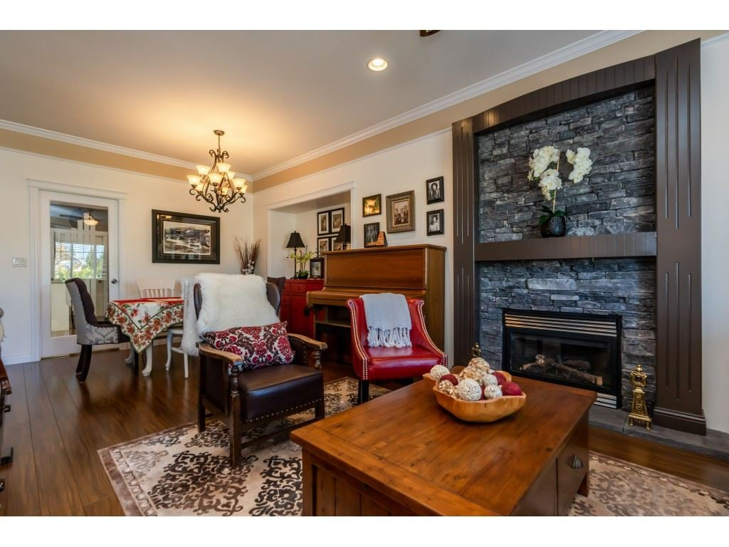 Photo 5: Photos: 26836 26A Avenue in Langley: Aldergrove Langley House for sale : MLS®# R2402775
