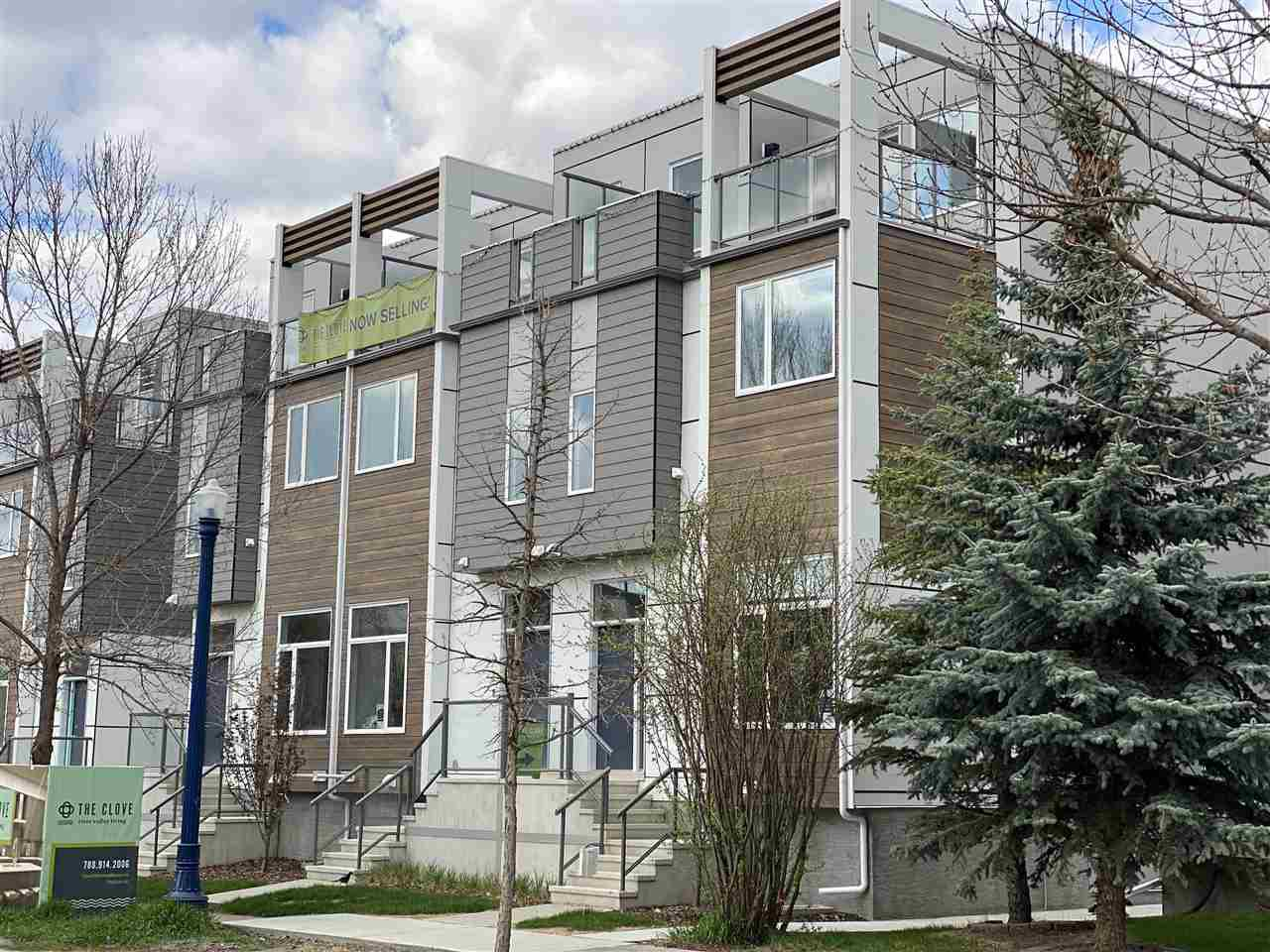 Main Photo: 2 9745 92 Street in Edmonton: Zone 18 Townhouse for sale : MLS®# E4191803