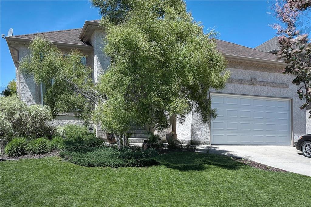 Main Photo: 59 Northport Bay in Winnipeg: Royalwood Single Family Detached for sale (2J)  : MLS®# 202011321